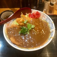 Photo taken at とんかつ まるや 新橋駅前店 by どーだ on 1/18/2018