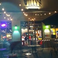 รูปภาพถ่ายที่ Willy's Mexicana Grill #8 โดย Logan H. เมื่อ 10/3/2012