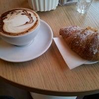 Photo taken at Caffè Del Duca by Leandro L. on 12/9/2012