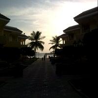 Photo taken at Blue Beach Resorts || شاليهات الشاطئ الأزرق by LeGend A. on 10/19/2012