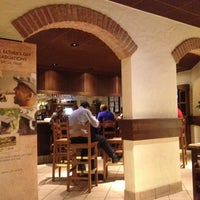 Photo taken at Olive Garden by Maurílio M. on 6/7/2013