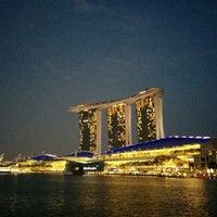 Foto tirada no(a) Marina Bay Sands por Josep H. em 3/16/2015