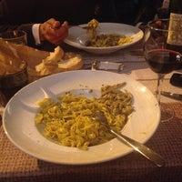 Foto scattata a Osteria Pizzeria Margherita da AYKAN TURAN il 4/28/2015