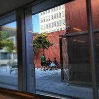 Foto tomada en Biblioteca ETSAB por Adriano O. el 10/9/2012