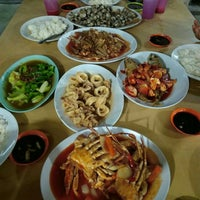 Photo taken at Seaview Seafood Restaurant by Afifah A. on 5/4/2016