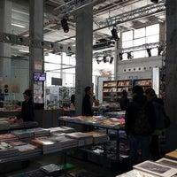 Photo prise au Librairie du Palais de Tokyo par Yann H. le4/20/2014