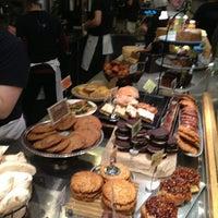Das Foto wurde bei Flour Bakery & Cafe von Yoav S. am 1/18/2013 aufgenommen