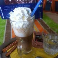 7/4/2013 tarihinde Alberto R.ziyaretçi tarafından Espresso Kristal'de çekilen fotoğraf