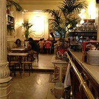 Foto tomada en Café Manuela por Isidro L. el 6/14/2013