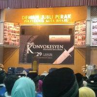 3/10/2016에 Azlee M.님이 Dewan Jubli Perak Politeknik Kota Bharu에서 찍은 사진