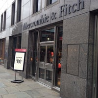 Photo taken at Abercrombie & Fitch by Vincent M. on 11/12/2015