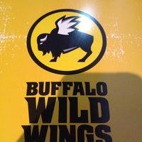 Foto tomada en Buffalo Wild Wings por Jorge V. el 9/29/2012