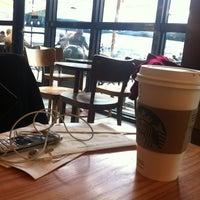 2/24/2013 tarihinde Hayati G.ziyaretçi tarafından Starbucks'de çekilen fotoğraf