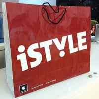 Photo taken at iSTYLE Apple Premium Reseller | آي ستايل by Manal N. on 9/27/2012
