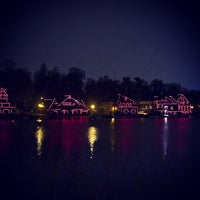 Foto scattata a Boathouse Row da Brandon G. il 4/7/2013