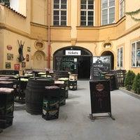 Foto tirada no(a) Czech Beer Museum Prague por Betül G. em 8/6/2017