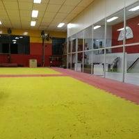 Photo taken at TSKF Academia de Kung Fu Lapa by Rodrigo K. on 3/4/2016