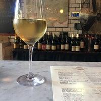 6/12/2018にKristin R.がVanguard Wine Barで撮った写真