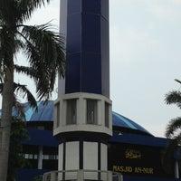 Photo taken at Masjid An-Nur SMAMDA - UMSIDA by Herlambang E. on 3/29/2013