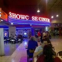 Foto tomada en Showcase Belgrano por isaias m. el 12/17/2012