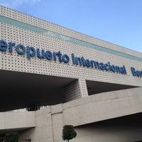 รูปภาพถ่ายที่ Aeropuerto Internacional de la Ciudad de México (MEX) โดย Willi เมื่อ 11/24/2013