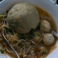 Photo taken at mie bakso solo by Cantiknya Neng Nakie on 12/10/2012