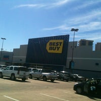 Photo taken at Best Buy by Ro A. on 2/27/2013