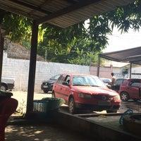 Photo taken at Bola Cheia Bar & Lava-Jato by Ricardo O. on 7/5/2014