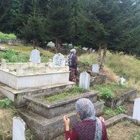 Photo taken at Yukarıtepe Mezarlığı by Mutlu K. on 7/16/2015