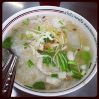 Photo taken at ร้านอาหาร สวัสดิการ ศิริราช by taekungza on 7/31/2013