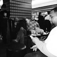 Foto scattata a Civil Cigar Lounge da ChiefHava il 3/15/2013