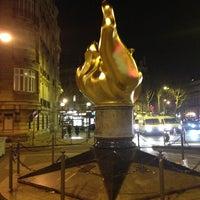 1/30/2013 tarihinde Nikita R.ziyaretçi tarafından Flamme de la Liberté'de çekilen fotoğraf