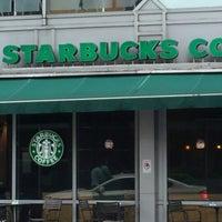 Photo taken at Starbucks by ♪♥★ⓒⓗⓐⓣⓒⓗⓐⓡⓘⓝ★♥♪ on 12/7/2012