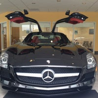 Photo taken at Mercedes-Benz of Maplewood by Roger P. on 9/25/2012