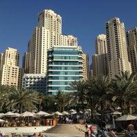4/9/2013 tarihinde Arun N.ziyaretçi tarafından Hilton Dubai Jumeirah'de çekilen fotoğraf