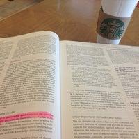 Снимок сделан в Starbucks пользователем Graciela L. 7/2/2013