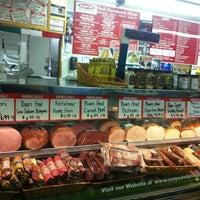 Foto scattata a Tony's Italian Deli and Subs da Kathy M. il 8/16/2013