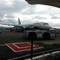 Foto tomada en Aeropuerto Internacional de Oaxaca (OAX) por Tx D. el 6/28/2013
