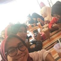 Photo taken at Restaurant Muhibbah Dengkil by Zizie A. on 5/28/2016