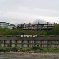 Photo taken at Red Lion Hotel Port Angeles by H M. on 5/3/2017