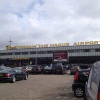 Das Foto wurde bei Rotterdam The Hague Airport von Stephanie H. am 4/12/2013 aufgenommen