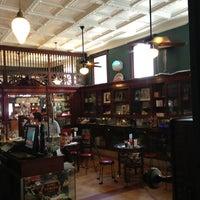Foto tomada en The Corner Shop por Kelsey W. el 6/29/2013
