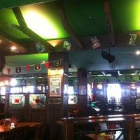 Das Foto wurde bei Shamrock Irish Pub von bastiankbx am 3/12/2013 aufgenommen