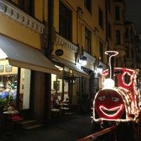 Foto diambil di Café Succès oleh Jana J. pada 1/9/2014