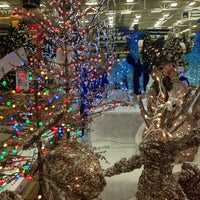 Photo taken at Lowe's Home Improvement by Adela F. on 11/27/2016