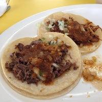 Foto tirada no(a) El Taco De Mexico por Wally G. em 11/23/2012