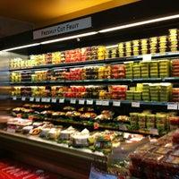 Foto tomada en Whole Foods Market por Lera👠👜💄 S. el 12/30/2012