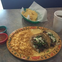 Photo taken at Si Señor Fresh Mex by Stephen T. on 3/12/2015