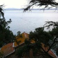 Das Foto wurde bei Burgazada Sahil von Alper P. am 3/9/2013 aufgenommen