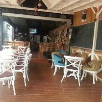 3/4/2014 tarihinde La Noche Adanaziyaretçi tarafından Blackboard Cafe & Bar'de çekilen fotoğraf